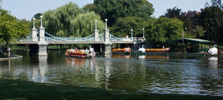 Things to See in Boston: Boston Public Garden
